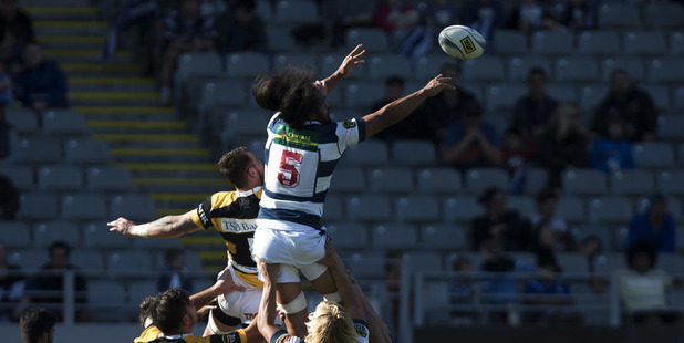 Auckland's number 5, Liaki Moli delivers the line out.
