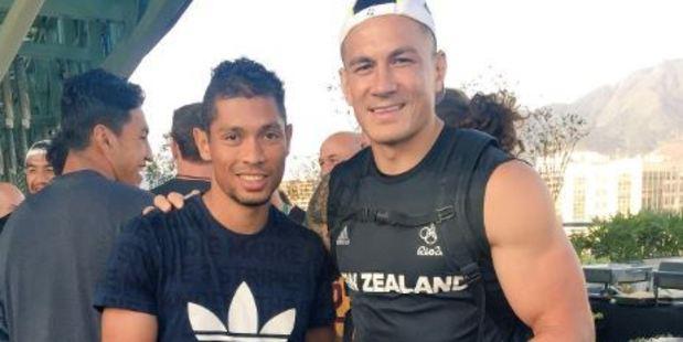 Wayde van Niekerk, left, poses with Sonny Bill Williams. Photo / via Twitter
