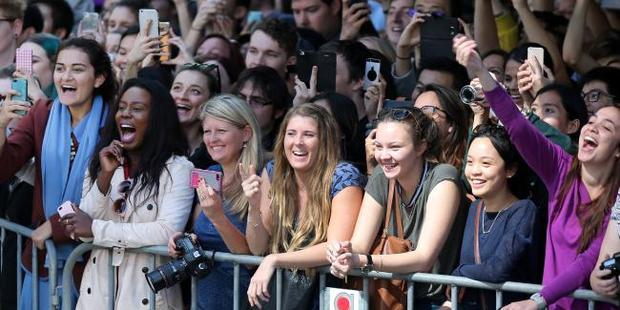 Crowds on Margaret Street during filming for Thor: Ragnarok in Brisbane. Picture / News Corp Australia
