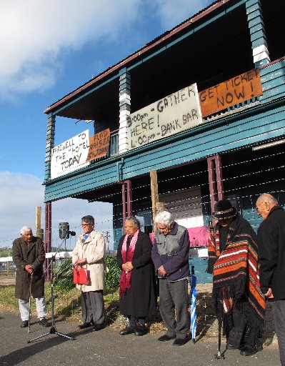 Ratana minister William Smith leading the blessing of the Kaikohe Hotel ahead of final demolition on August 8, 2014. Photo / Peter de Graaf