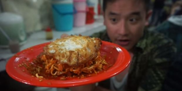 Loading Ben Sumadiwiria has tracked down the world's spiciest noodles. Photo / YouTube, Awesome Eats