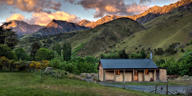 Rustic Cob Quarters in Waihopai Valley is the perfect place to unwind. Photo / Supplied