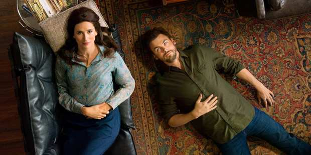Michaela Watkins and Tommy Dewey play Valerie and Alex Cole in new series Casual. Photo / Supplied
