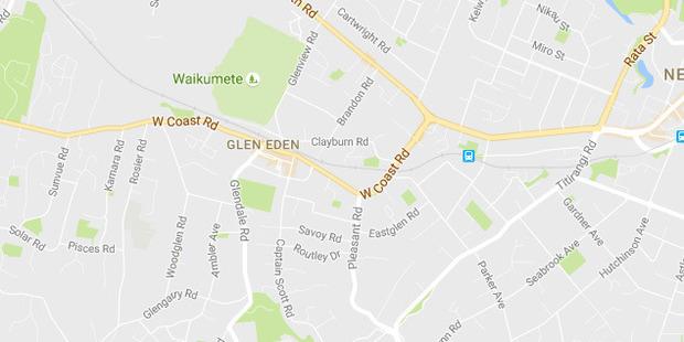 Police cars have been seen on West Coast Road in Glen Eden.