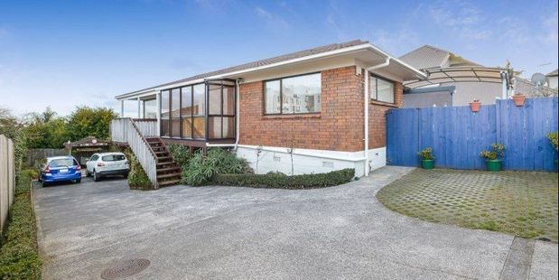 Loading This three-bedroom house in walking distance from Howick shops, schools and beaches. The asking price is $1,095,000. Photo / Trade Me