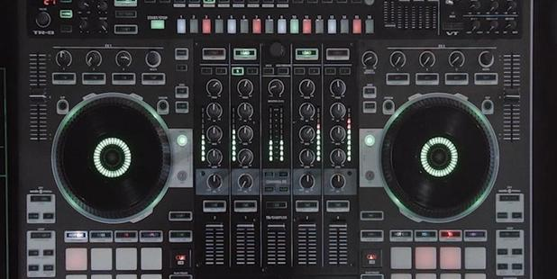 Loading The Roland DJ-808 with Serato DJ.
