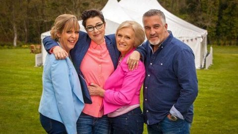 Bake Off: Channel 4 'desperate' for Paul and Mary to stay
