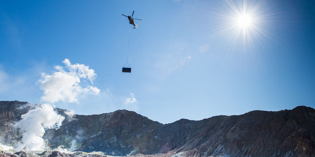 NZDF lifts emergency shelter to White Island. Photo/supplied
