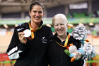 Laura Thompson (left) and Northland's Emma Foy with their silver medals after taking second in the Women's B 3000m Individual Pursuit Final. Haygen Hopkins/Getty Images