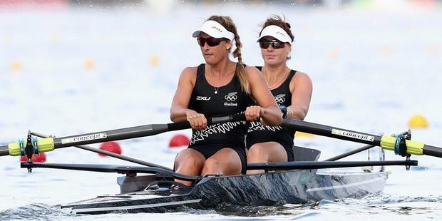 STERLING EFFORT: Rebecca Scown (front) with Genevieve Behrent on their way to Olympic silver in Rio. PHOTO/ GETTY IMAGES