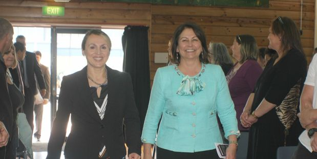Flaxmere College principal Louise Anaru and Minister of Education Hekia Parata.