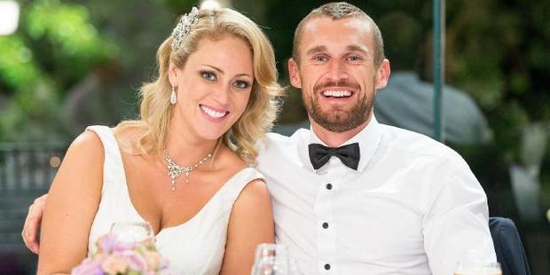 Complete strangers/newlyweds Clare and Jono on their wedding day. Photo / Channel 9