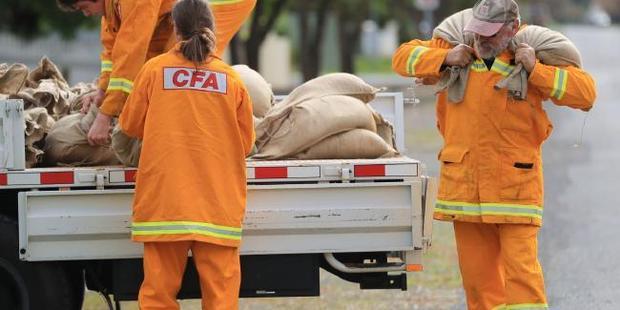 Volunteers have been sandbagging in Charlton. Photo / news.com.au