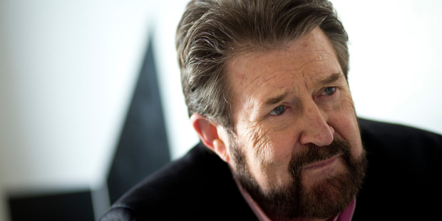 Kiwi-born Aussie shock-jock Derryn Hinch is back on the booze after a liver transplant, his ex girlfriend claims. Photo / File
