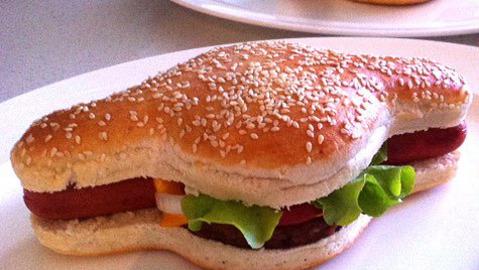 Hamdog creater Mark Murray patents a cross between hamburger and hotdog