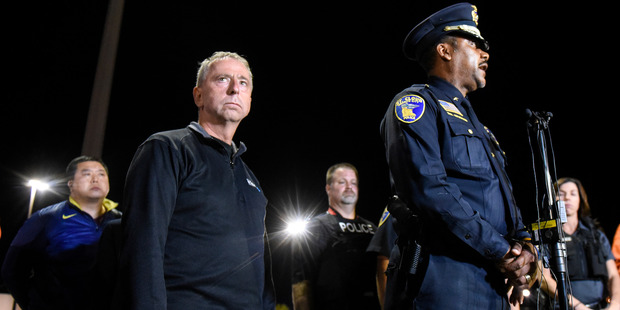 St. Cloud mayor Dave Kleis, left, and Police Chief Blair Anderson hold a press conference in Minnesota. Photo / AP