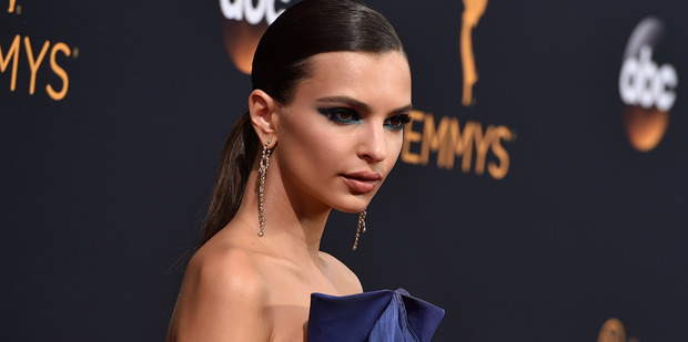 Emily Ratajkowski complained thst the peanut butter and jelly sandwiches that Jimmy Kimmel's mom made for Emmy guests were bad. Photo / AP