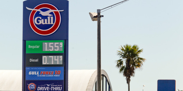 Price of petrol continues to fall. Gull is leading the way in Hastings, charging $1.55.9 per litre of 91 Octane and 74.9c per litre for diesel. Photo / Warren Buckland