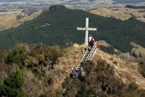 The aluminium cross at Tinui Taipo/Mt Maunsell.