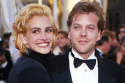 Julia Roberts and Kiefer Sutherland began dating in 1990 after meeting on the set of horror film Flatliners and got engaged in August of the same year. Photo / Getty Images
