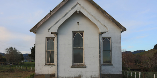The 103-year old Puriri church southeast of Thames was sold at auction by Bayleys Hamilton today.