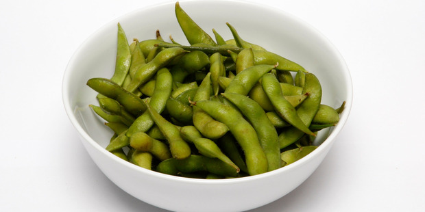 Edamame beans are a great everyday snack when you're trying to lose weight, according to Shona. Photo / Chris Gorman