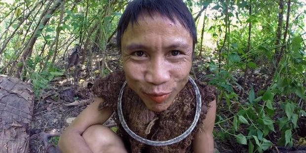 Loading Ho Van Lang spent 40 years isolated in the jungle, but must now reintegrate with society. Photo / YouTube - Docastaway