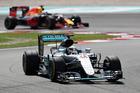 Lewis Hamilton leads Daniel Ricciardo. Photo / Getty Images