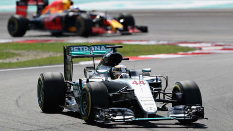 Rosberg leads Hamilton in opening practice at Suzuka