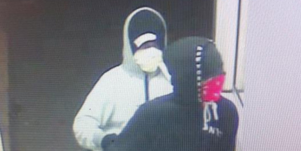 Christchurch Police need the public's help to identify the people involved in an aggravated robbery. Photo / Supplied