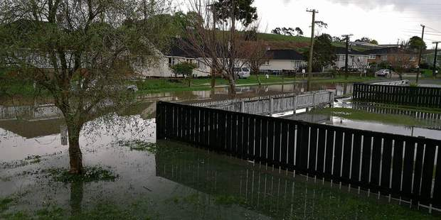 Flooding in the streets of Huntly as heavy downpours bring havoc to the Waikato region. Photo / Supplied via Hika Hillbilly