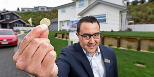 Real estate agent Rodney Fong is selling a house through online auction with a $1 reserve. PHOTO/ANDREW WARNER