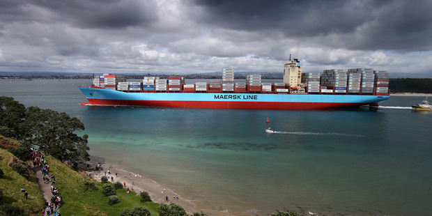 Loading The arrival in Port of Tauranga of the biggest container ship ever to visit New Zealand was a historic day for New Zealand exporters and importers. Photo/John Borren