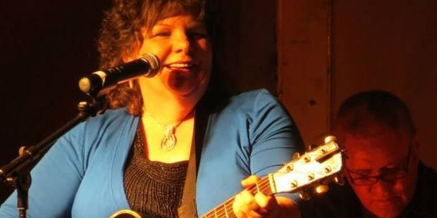 Country music singer Joy Adams will be performing at Castlecliff Club on Saturday afternoon.