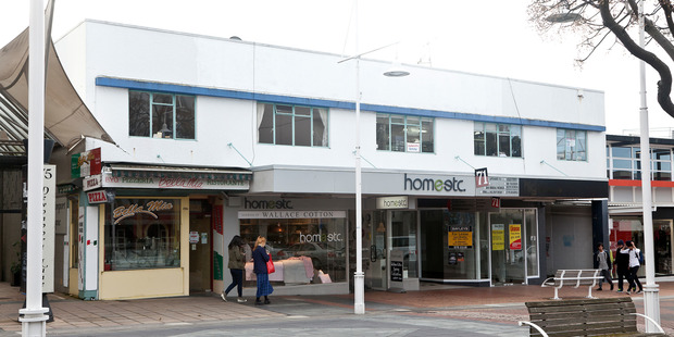 The building at 71 Devonport Rd which is earmarked for demolition to make way for a new hotel and retail complex. Photo/Andrew Warner