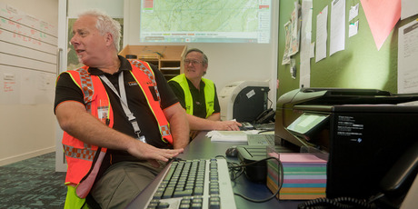 Craig Murray shows one of the SARTrack features that management is able to live-track. Photo/Andrew Warner