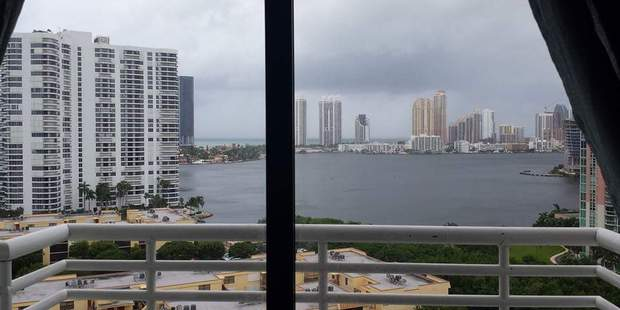 Kiwi woman Melanie Peapell photographed the outer bands of the hurricane from her balcony in Aventura, in the north-east of Miami Dade County. Photo / Melanie Peapell