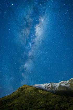 Clear skies provide an astronomical view on a lookout near The Remarkables. Photo / Ayushi Kachhara
