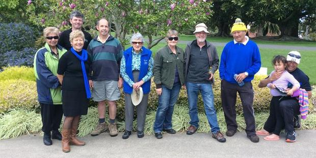 A Beamsley, Bruce Jones, Beverly Sinclair, Paul Lowe, Vonnie Cave, Lynette and Roscoe Lord, A Matthews, Hazely and Leroy at Bason Botanic Gardens.
