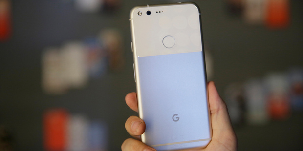 Loading The new Google Pixel phone, a challenge to Apple and Samsung. Photo / AP