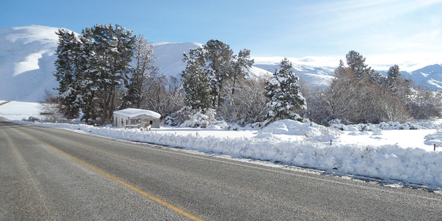 There was a road snowfall warning on Lindis Pass overnight. Photo / Marilyn Velenski