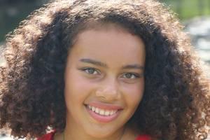 Mia Bentley-Tsibuah (15 ).