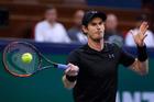 Andy Murray hits a return shot against Roberto Bautista Agut at the Shanghai Masters. Photo / AP