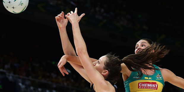 Bailey Mes of the Silver Ferns and Sharni Layton of the Diamonds compete for the ball. Photo / Getty Images