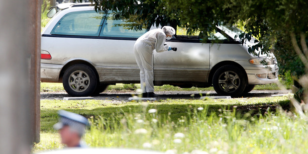 Police at Mower Rd, north of Whangarei, at one of two properties police are taking a close look at after the death of gang member John Harris. Photo/NZME