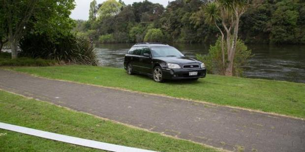 Police would like to hear from anyone who saw a black Subaru station wagon parked on the banks of the Waikato River yesterday.