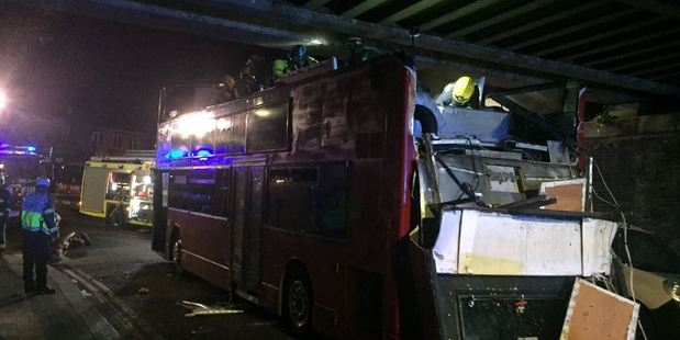 Pictures showed the double-decker, which had 30 people on board at the time, with its roof removed. Photo:  @LAS_JRU / Twitter