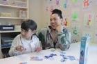Dancer/choreographer Parris Goebel visits sick children at Middlemore Hospital.