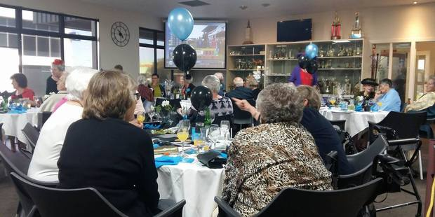 Keen punters are enjoying a drink at the Tauranga Citizens Club before the Melbourne Cup race kicks off at 5pm. Photo/Allison Hess