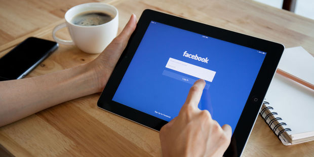 A study of 12 million Facebook users suggests using Facebook is associated with living longer - when it serves to maintain and enhance your real-world social ties. Photo / 123RF